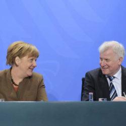 Kanzlerin Merkel und CSU-Chef Seehofer stellen Ergebnisse des Koalitionsausschusses vor